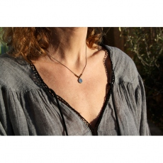 Les Femmes à Barbes Necklace Charleston in blue