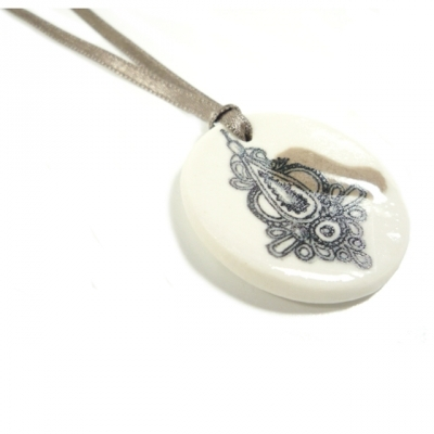 Lilakacemi necklace porcelaine taupe