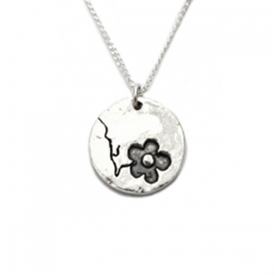 Désirée Schmidt litlle necklace cherry flower black