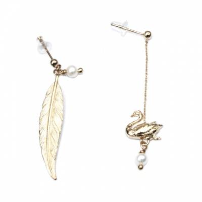 Zalie Smagghe earrings Swan