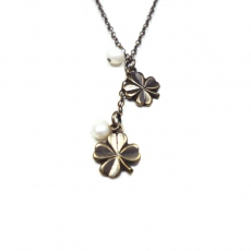 Eva Gozlan necklace bronze clover