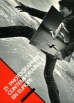 Collectif 21 photographes contemporains en Europe - ISBN 799650582.