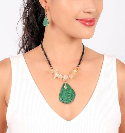 Collier Nature Wild leaves une feuille hiver 2021