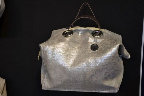 Mid-size zipped carrier bag  leather handles, silver lamé linen