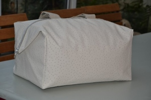 Week-end bag, ostrich, ivory