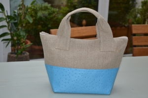 Handbag Linen and ostrich azure color