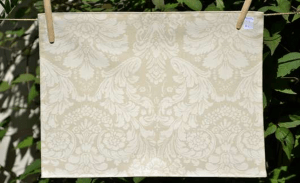 Rectangular place mat, ivory acanthe leaves plastified linen