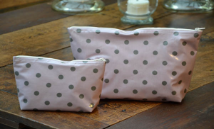 holdall pouche, grey polka-dot on rose ground plastified linen