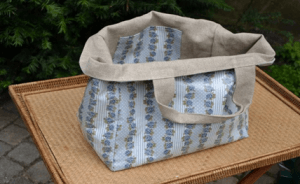 Mid-size carrier bag, Victorian Strip Blue plastified linen