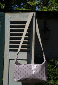 Shoulder bag grey dotted on pink ground plastified linen