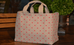 Mid-size carrier bag, red polka-dot printed linen