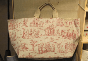 Mid-size carrier bag, red toile de Jouy printed linen