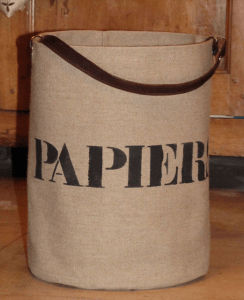 "bucket bag Mid-Size  ""Papiers"