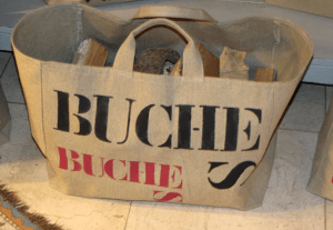 """Big-size logs bag, black and red stencilled """"Buches"""