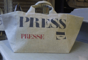 "Small-size bag, black stencilled ""Presse"