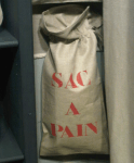 "Vertical bread bag, stencilled ""Sac à pain"