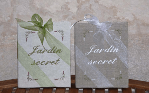 "Embroidered book A4 21x29,7 ""Jardin secret"" (lavander)"