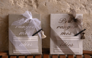 """Embroidered book A4 21x29,7 """"Pour ranger mes idées"""" (pocket and pencil)"""