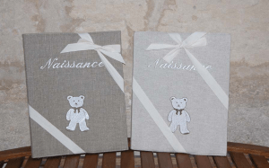 "Photos-Album 23x30.  ""Naissance "" (bear, ivory embroidered linen)"