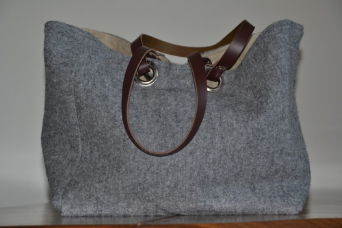 Mid-size carrier bag  leather handles, grey boiled wool