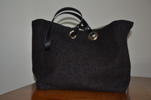 Mid-size carrier bag  leather handles, heather black boiled wool