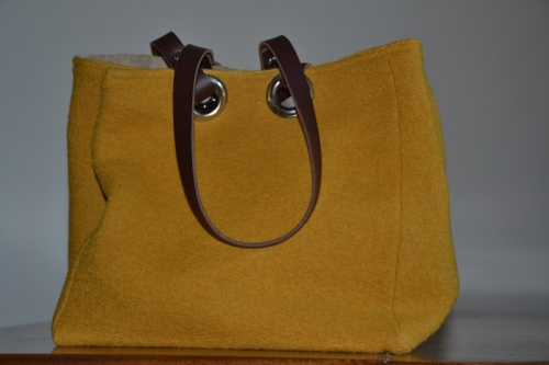 Small-size carrier bag  leather handles, boiled wool