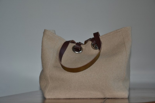 Small-size carrier bag  leather handles, beige boiled wool