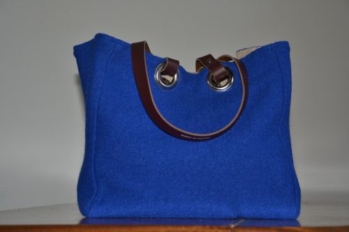Small-size carrier bag  leather handles, blue boiled wool