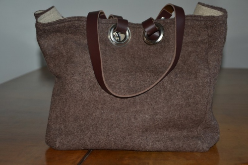 Small-size carrier bag  leather handles, chocolate boiled wool