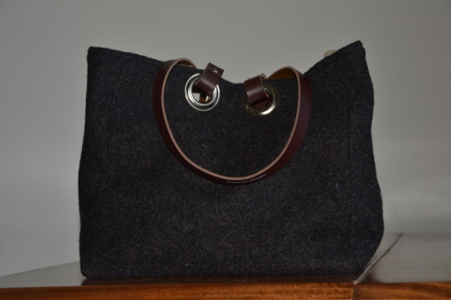 Small-size carrier bag  leather handles, heather black boiled wool