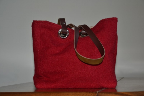 Small-size carrier bag  leather handles, tomato red boiled wool