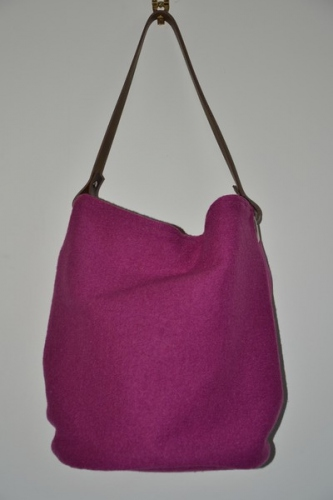 Bucket bag,  leather handle, strawberry boiled wool