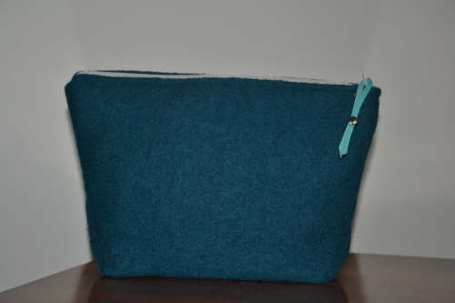 Mid-size duck blue boiled wool holdall pouche