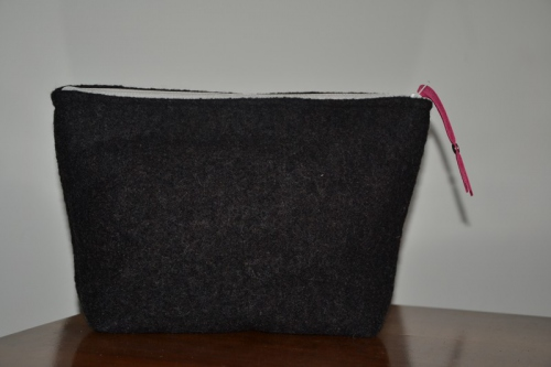 Mid-size heather black boiled wool holdall pouche
