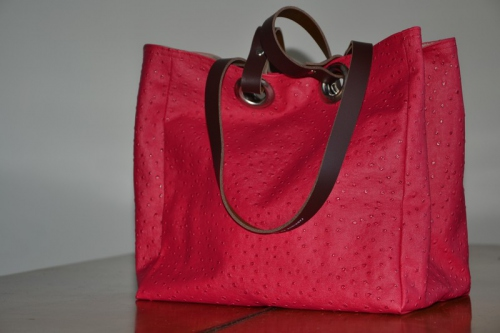 Small size carrier bag  leather handles, fushia ostrich