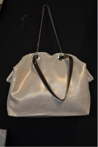 Mid-size zipped carrier bag  leather handles, gold lamé linen