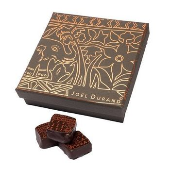 Assortment box with 32 chocolates (your choice)