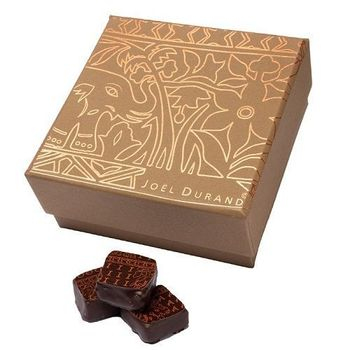Assortment box with 64 chocolates (your choice)