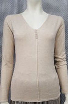 Pull fin col V couture devant et boutons