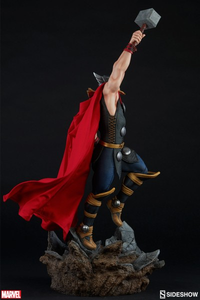 Avengers Assemble statue Thor Sideshow