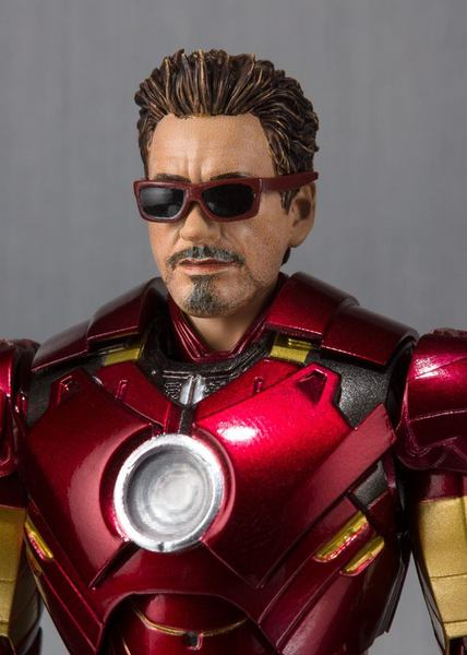 Iron Man 2 figurine S.H. Figuarts Iron Man Mark IV & Hall of Armor Set Tamashii Web EX Bandai