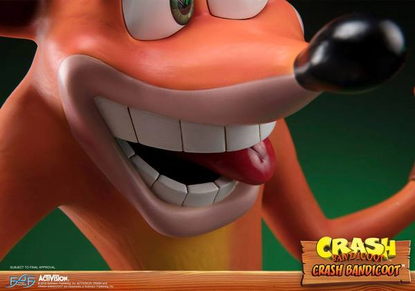 Crash Bandicoot statue Crash First 4 Figures