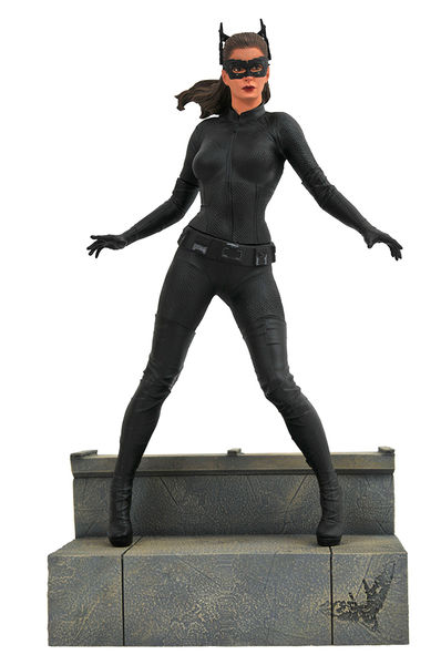 The Dark Knight Rises DC Movie Gallery statue Catwoman Diamond Select Batman