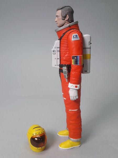 Cosmos 1999  Space 1999 Deluxe Action Figure Carter with moon buggy Sixteen 12