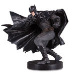 DC Designer Series statue Black Label Batman by Lee Bermejo DC Collectibles