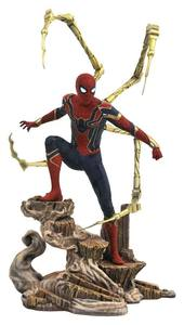 Avengers Infinity War Movie Gallery statue Iron Spiderman Marvel Select