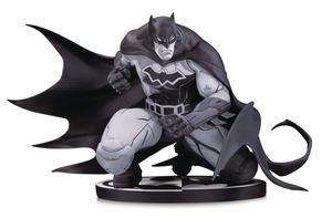 Batman Black & White statuette Batman by Joe Madureira 12 cm