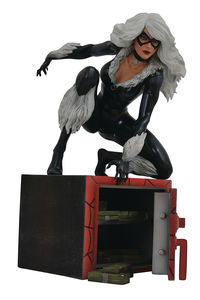 Marvel Comic Gallery statue Black Cat Diamond Select Spiderman