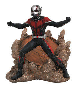 Ant-Man and The Wasp Marvel Movie Gallery statue Ant-Man Diamond Select