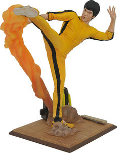 Bruce Lee Gallery statue Kicking Diamond Select